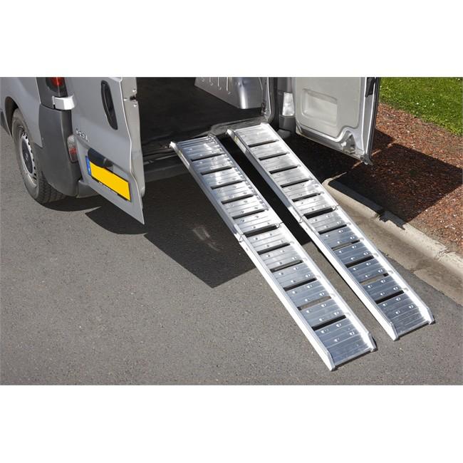 2 plooibare aluminium oprijrampen speciaal voor kleine. Black Bedroom Furniture Sets. Home Design Ideas